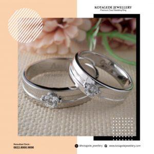 model cincin tunangan terbaru